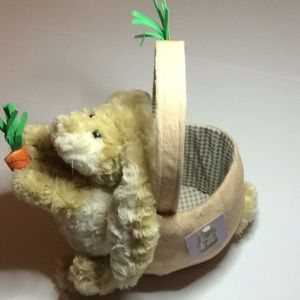 NWT Bunny Rabbit w/ Carrots Handled Basket